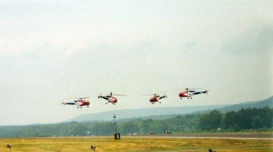 800px-Alouette_III_Grasshoppers_Ramstein_1984
